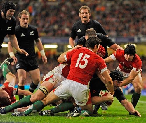 Hore marca contro il Galles