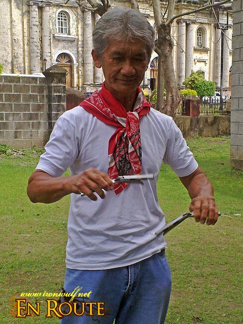 Taal Town N86 Balisong Demo