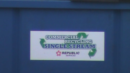 Republic Recycle can