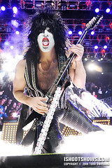 KISS: Concert Photos (Todd | ishootshows.com) Tags: music rock tongue army photography concert kiss paint tour photos live makeup heavymetal alive genesimmons pointing 35 concertphotography hardrock paulstanley musicphotography