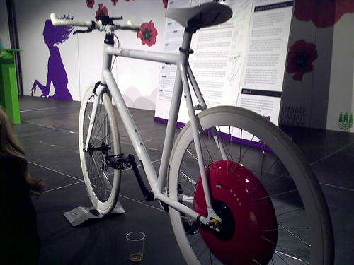 With @tkrag at mayors' climate summit, marvelling at MIT hybrid bike w mobile sensors
