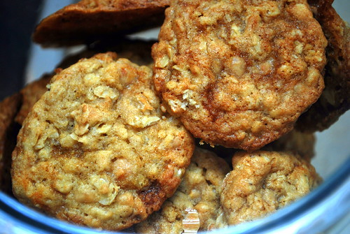 Cookie Jar - Oatmeal Toffee Cookies-1