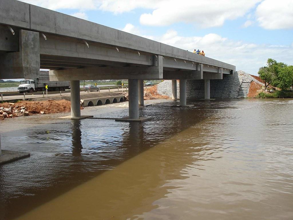 Nova ponte substitui a arrancada pelas águas do Arroio Pelotas em 2009. Crédito: Divulgação
