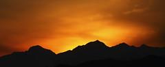 Profilo al tramonto, Gattico marzo 2010 (Zaffiro&Acciaio: Marco Ferrari) Tags: winter sunset italy sun alps montagne alpes atardecer march italia tramonto 300mm piemonte sole inverno alpi montagna piedmont marzo 2010 canon500d novara monuntain gattico