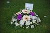 IN LOVING MEMORY - PARA EL PADRE DE PILAR AZAÑA (ABUELA PINOCHO ) Tags: uk inglaterra flores suffolk cementerio tumba ramo solidaridad framlingham sentimiento inlovingmemory pilarazaña