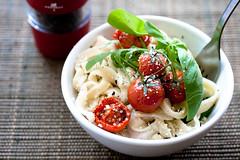 Pasta (Yannick Chauvet {I'm back}) Tags: pepper tomatoes pasta tomates basil spinach rucola gastronomie roquette poivre pâtes basilic épinard àtable pomidor makaron pieprz bazylia parmezan szpinak arragula
