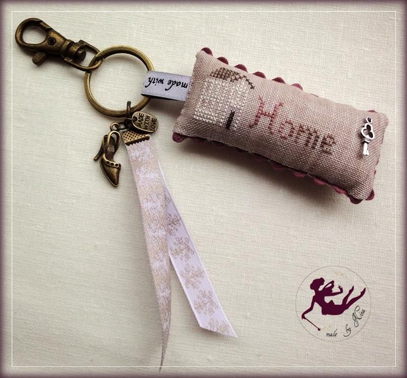 stitched keyholder_by Nina