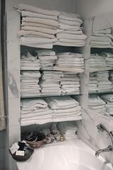 (shlomp-a-plompa) Tags: venice towels