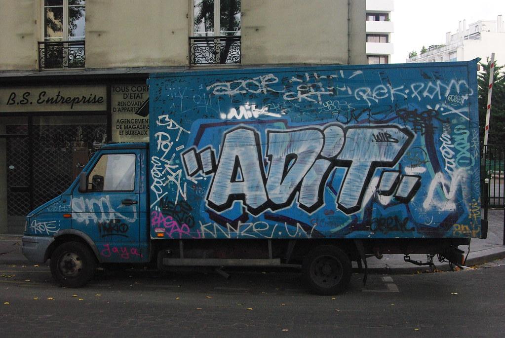 Adit James Kenny Foto Tags Paris Graffiti Tags Vans Trucks Burner Ing Adit