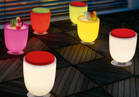 modoluce-light-up-furniture-campanone-pouff-1