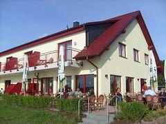 FloMaLa Restaurant & Hotel (ThomasKohler) Tags: mv mecklenburg mritz norddeutschland waren seenplatte mueritz warenmritz mritzsee mueritzsee warenandermritz