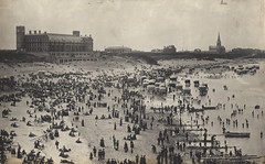 071354:Long Sands - Tynemouth (Newcastle Libraries) Tags: plaza long sands tynemouth newcastleupontyne tynesidelifeandtimes