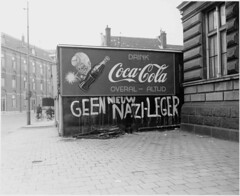 01-28-1951_08968 Geen nieuw nazi-leger (IISG) Tags: usa amsterdam advertising reclame soda cocacola publicity frisdrank advertissement benvanmeerendonk