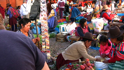 pisac-market-women-hats.jpg