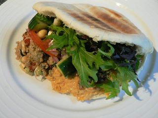 Meatless Monday Quinoa Salad and Hummus Pita