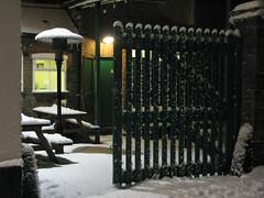 Kings Arms, Tring (Jamie Arnold) Tags: snow tring kingsarms