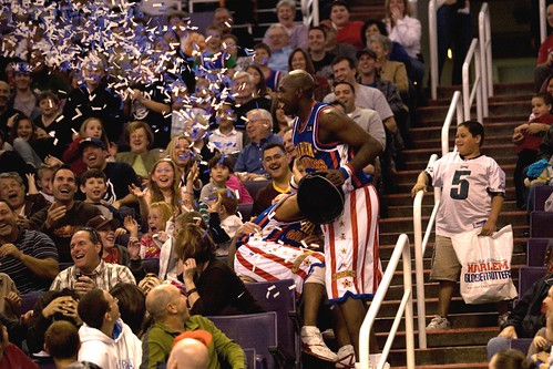 Globetrotters 2009_10_Big Easy with confetti