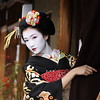 Japan (momoyama) Tags: japan geisha maiko face beauty beautiful girl woman kyoto picture photo white black portrait winter hand