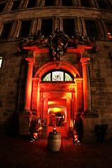 Nuremberg Nürnberg 332 l'entrée d'un restaurant dans l'ancienne Mairie (Altes Rathaus) (paspog) Tags: nuremberg nürnberg 5photosaday thebestofday gününeniyisi
