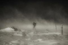 L'home que amb vent i neu fabricava núvols. (Ferran.) Tags: snow vent catalonia catalunya pyrenees neu ripolles queralbs sensacional torb colletdelesbarraques
