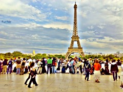 (oaL ia ` ) Tags: people paris france tower by clouds all eiffeltower royal riffa eiffeltowersquare
