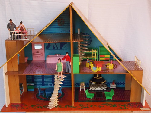 1974 OKWA dolls house