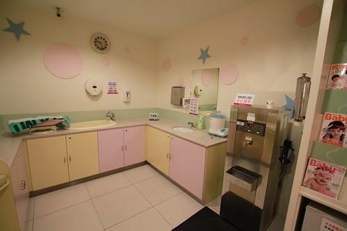 漢神本館的育嬰室