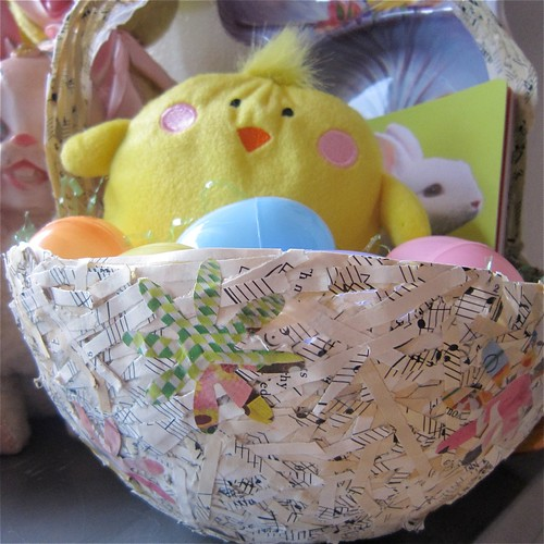 I love to create a tisket a tasket a recycled easter basket though this is not tallulahs 1st easter it will be the first one that she can carry a basket that being the case i made it my life quest to try and negle Gallery