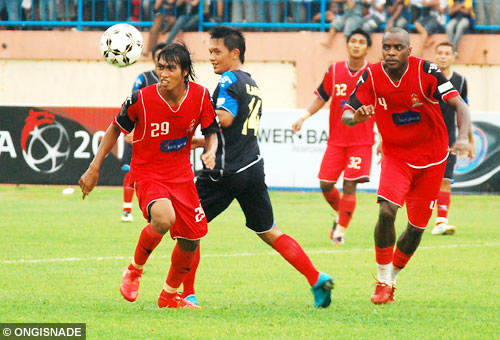 arema indonesia vs persijap photo