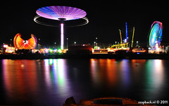 Kermis / Fair - Schiehaven - Rotterdam [Mission Space] (zzapback) Tags: city urban holland robert netherlands dutch de missionspace rotterdam nikon europa europe long exposure chaos fotografie nightshot nederland fair le inversion xxl funfair 18200 kermis stad nachtfotografie lange delfshaven voogd sluitertijd rotjeknor vormgeving d90 lloydpier grafische enjoyyourday mullerpier vrii schiemond bergselaan liskwartier kratonkade schiehaven zzapback zzapbacknl robdevoogd
