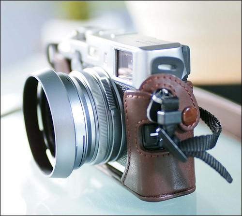Fuji X100 Olympus E-PL2 Panasonic Leica 25mm f/1.4 Summilux