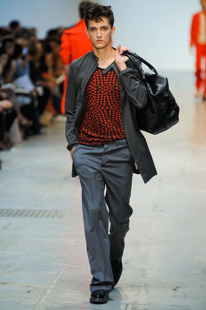 SS12 Milan Costume National Homme022_Jakob Wiechmann(VOGUEcom)
