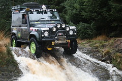 "Land Rover Defender 90 • <a style=""font-size:0.8em;"" href=""http://www.flickr.com/photos/39084963@N03/4073100181/"" target=""_blank"">View on Flickr</a>"