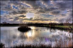Hornchurch Country Park Lake - HDR (John Parfrey) Tags: lake essex dri hdr raf hdri airfield hornchurch rainham hornchurchcountrypark tonemapped tonemapping havering