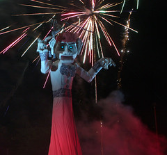 ZozoFirework (Mountain Gallivanter) Tags: newmexico santafe fire puppet burning paganritual marionette kiwanis zozobra oldmangloom fiestadesantafe biggestmarionetteintheworld