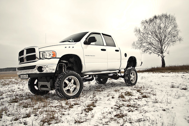 auto winter car canon foot rebel big offroad outdoor 4wd pickup dodge ram 1500