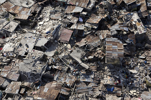 a neighborhood destroyed by the Haitian earthquake (by: United Nations Development Program)