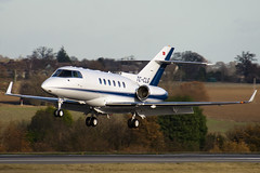 TC-CLG - HA-0098 - Private - Hawker Beechcraft 900XP - Luton - 091126 - Steven Gray - IMG_4703