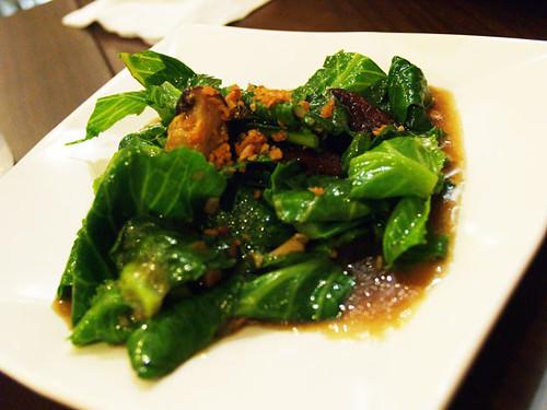 Stir-fried Kai-lan with Shitake Mushroom