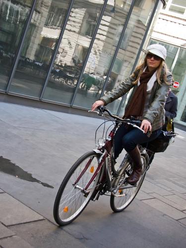 Vienna Cycle Chic avec chapeau