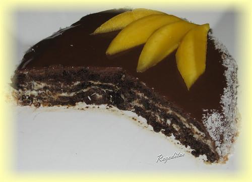 TORTA DE CHOCOLATE, COCO Y MANGO