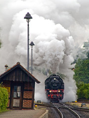 Westerntor Arrival (Gerry Balding) Tags: station train germany smoke platform engine steam points rails locomotive exhaust wernigerode narrowguage hsb harzquerbahn westerntor harzmountains harzerschmalspurbahnen abigfave