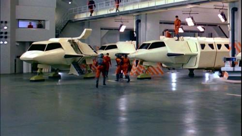 V La Miniserie - Hangar Nave Nodriza (2)