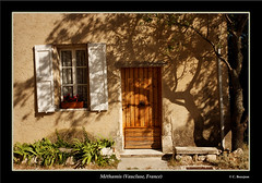 Mthamis (Vaucluse) (TravelPict) Tags: france canon village front provence faade vaucluse lubron mthamis