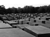 >I (...uno che passava... (senza ombrello)) Tags: bw berlin bn berlino holocaustmahnmal bncittà