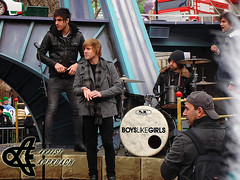 Boys Like Girls (ArtistApproach) Tags: thanksgiving new york city nyc newyorkcity bridge november girls ny newyork boys truck john paul day martin manhattan brian johnson like parade bryan future to macys 2009 blg hess the donahue keefe hesstruck martinjohnson boyslikegirls digiovanni macysthanksgiving briandonahue pauldigiovanni dayparade bryandonahue johnkeefe bridgetothefuture