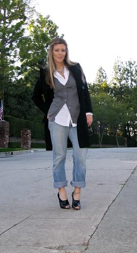outfit layeredlook whatiwore rhinestonenecklace raybanaviators harrypotterlook cuffedvintagejeanswithoxfordheels