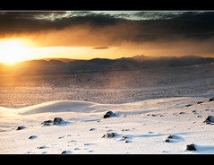 Golden Sun Of Landmannalaugar (Leo Druker) Tags: winter sun mountain snow mountains cold weather landscape iceland highlands cool hekla southernhighlands landmannalaugar orangeglow changingweather southhighlands coldatmosphere icelandwinter nikond3 heklavolcano mountainregion wideanglelandscapes landmannalaugarregion icelandweather