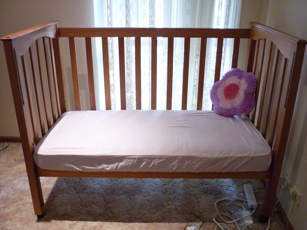 Baby cot $150
