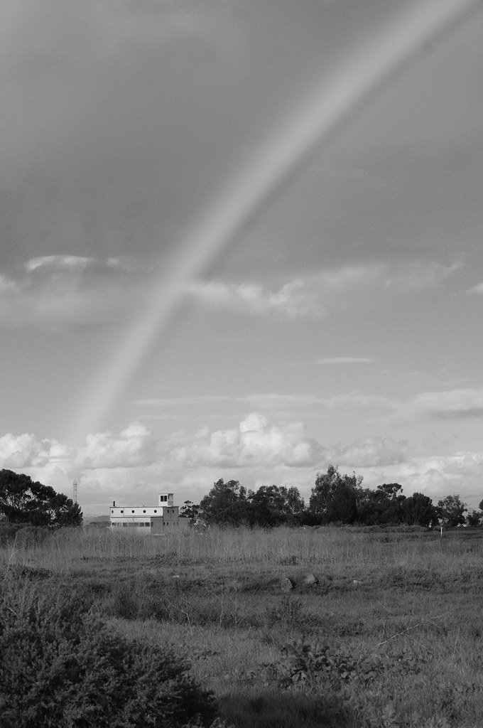 Rainbow in black and white with Pentax k-x white and pentax da* 50-135mm f/2.8